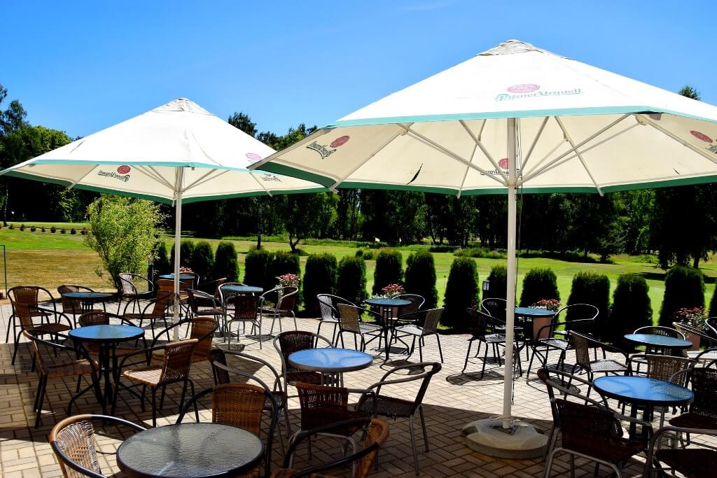 Kamień Country Golf Club patio